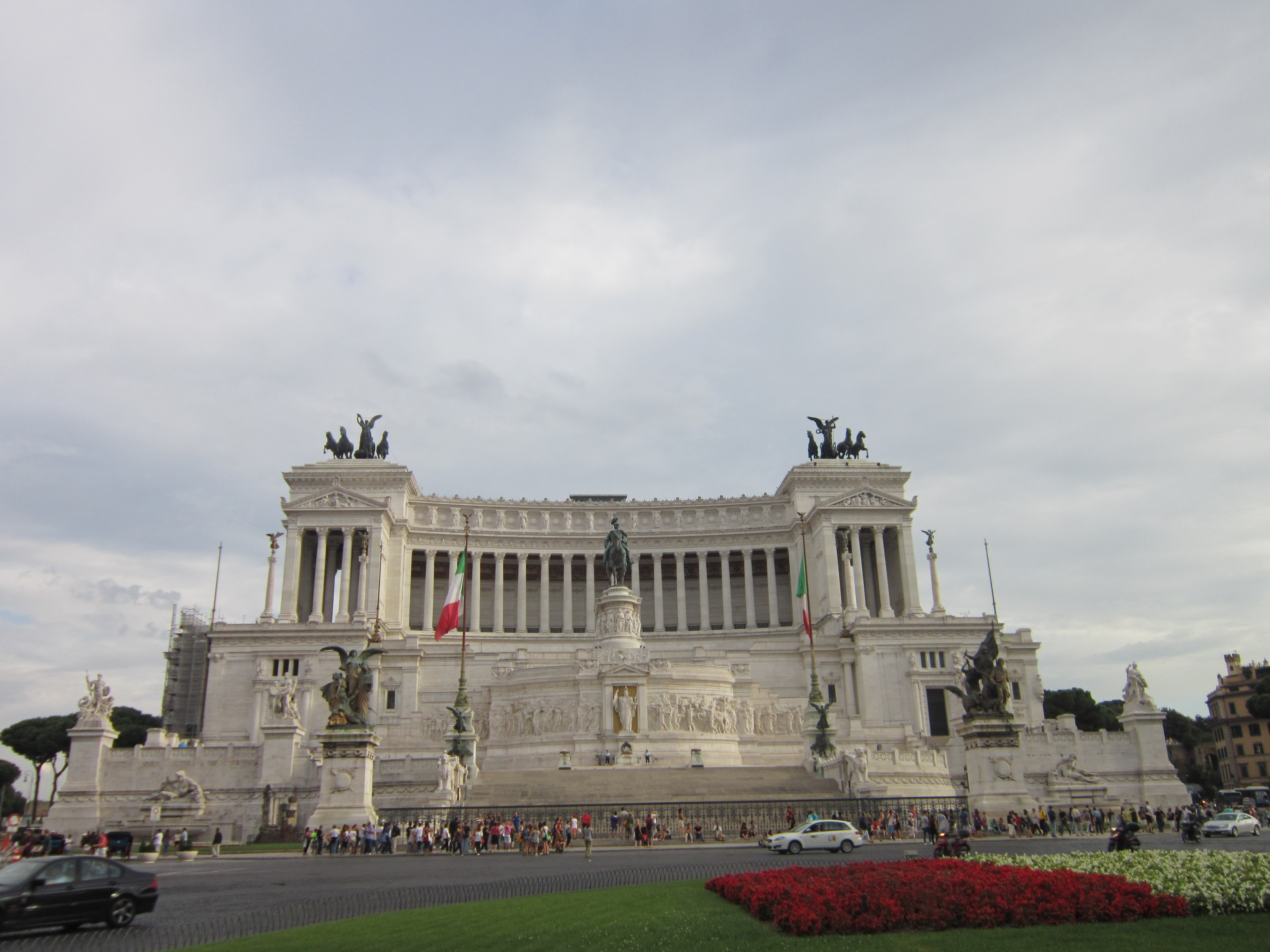 things to do in Rome - view of National Monument to Victor Emmanuel II