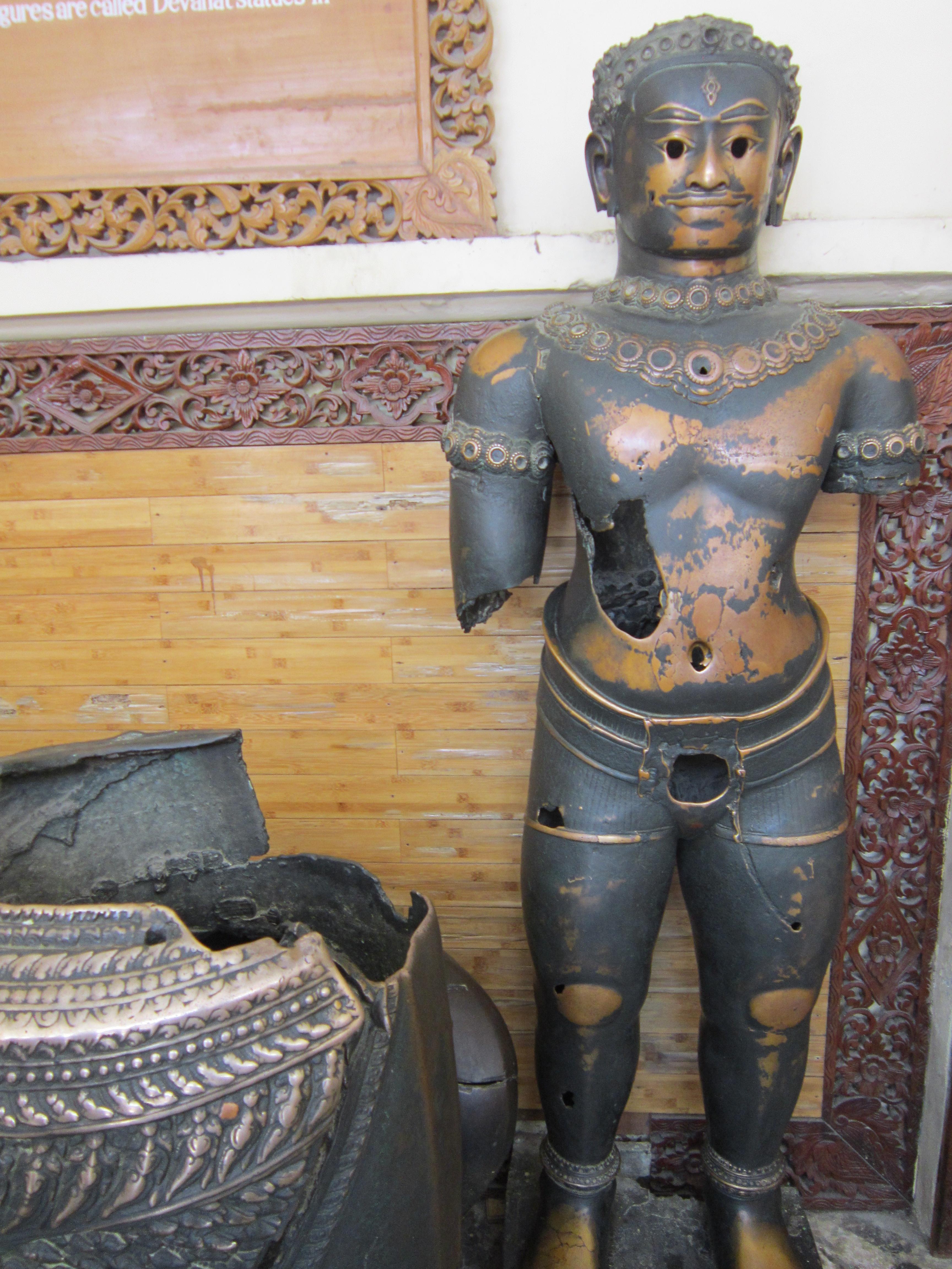 Mahamuni Paya Bronze Khmer Statues