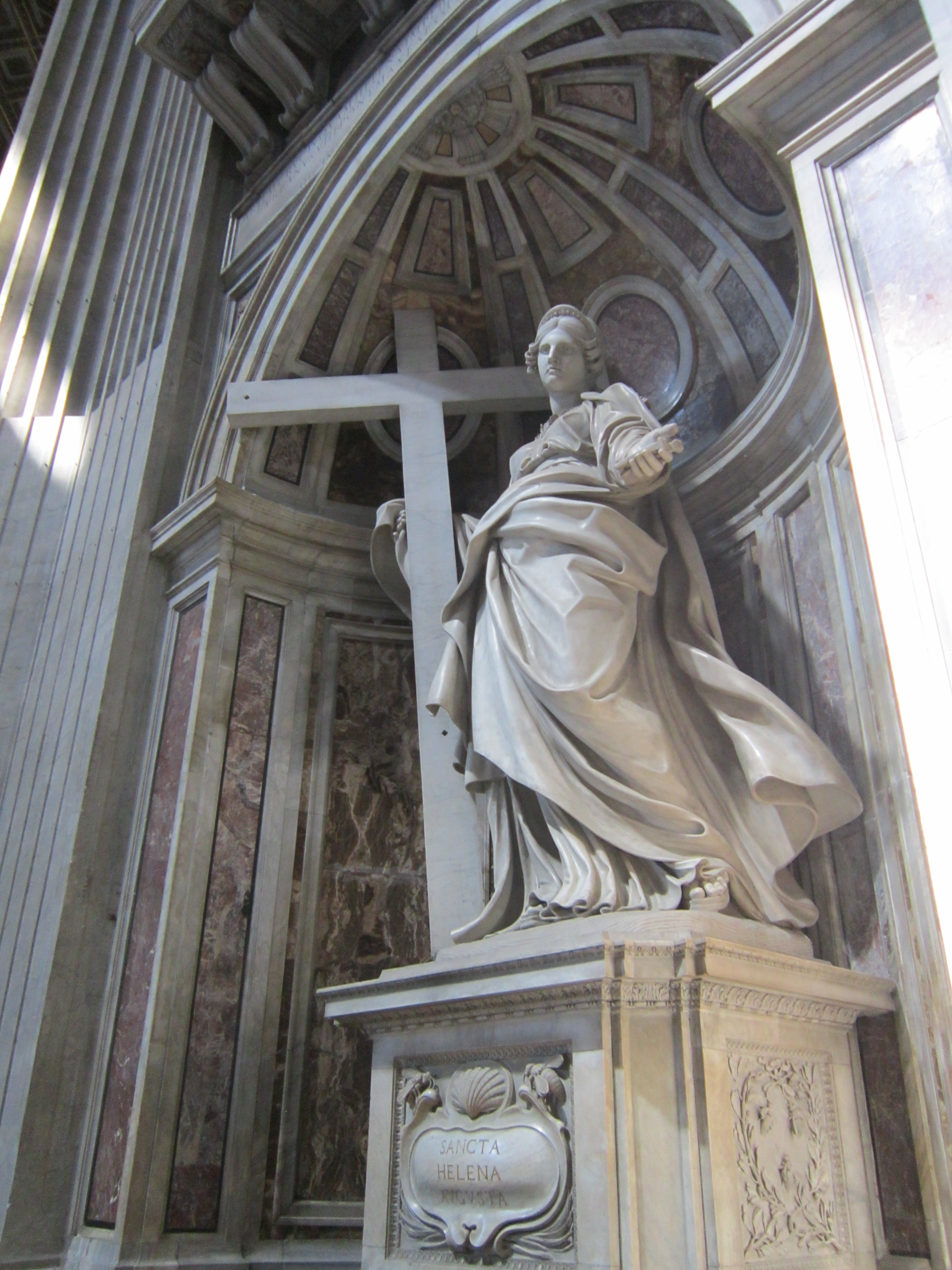 things to do in Rome - statue inside the Vatican