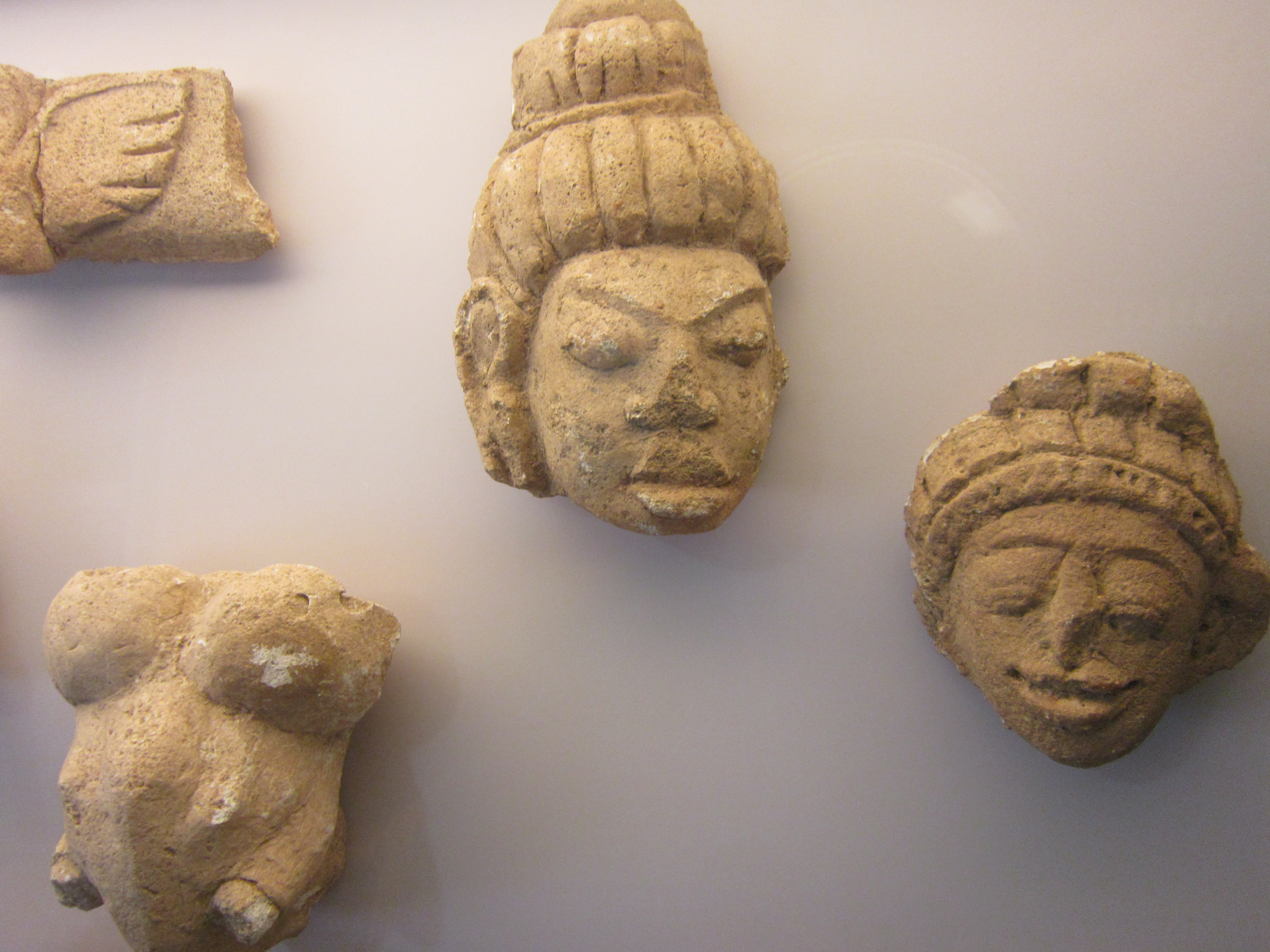 Items on display in Lopburi Somdet Phra Narai National Museum.