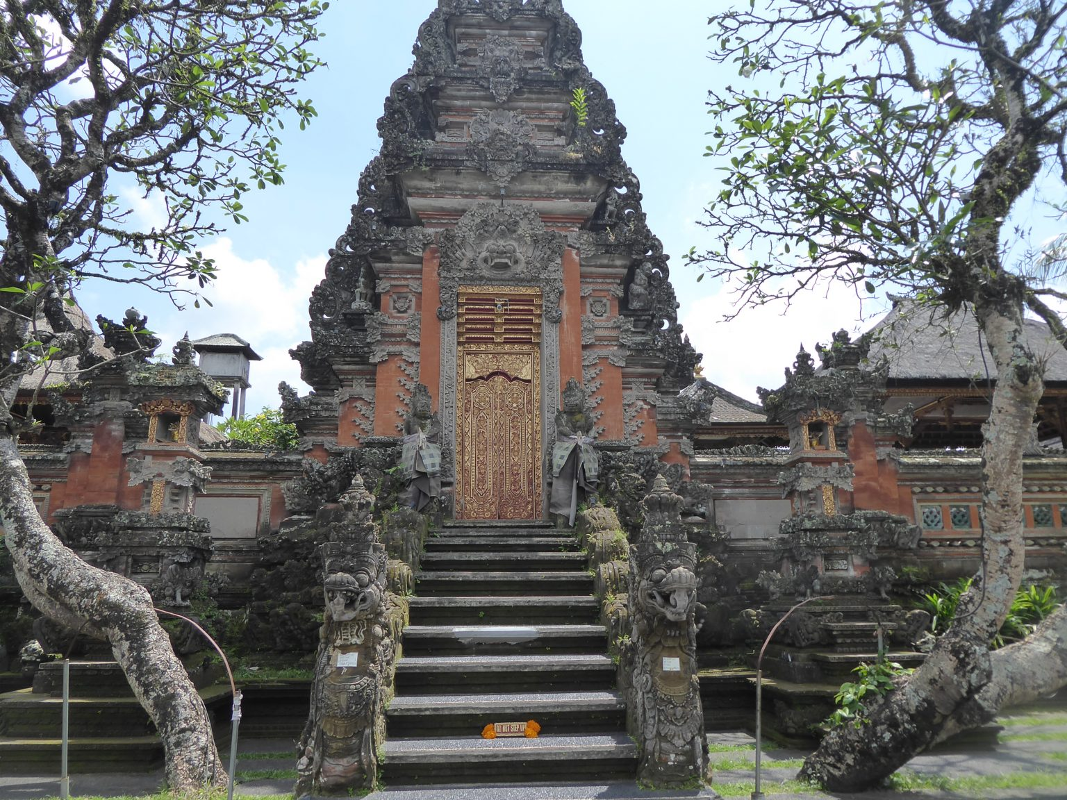 Saraswati temple - backpacking Bali