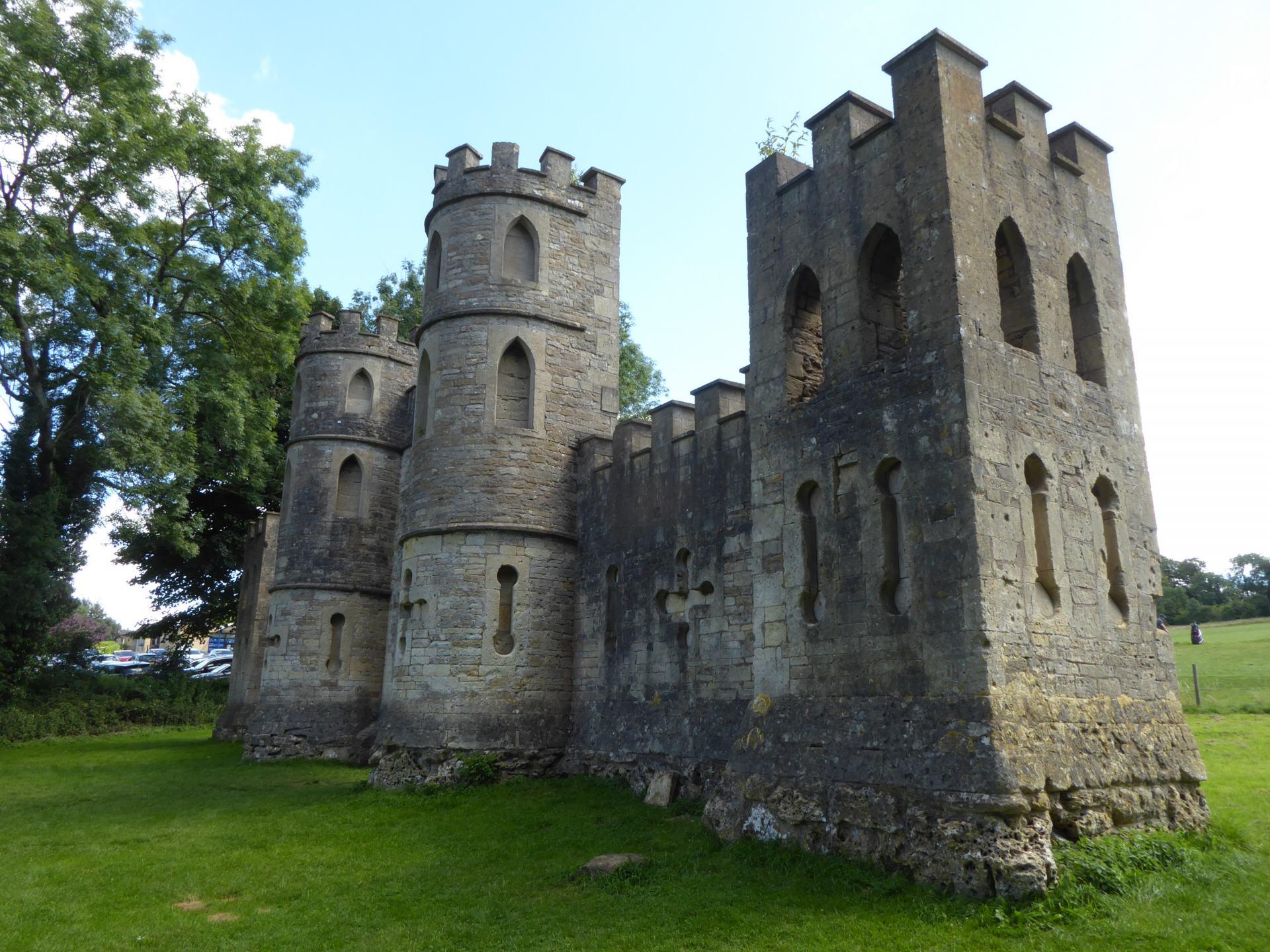 A side on view of Ralph Allen's Sham Castle in Bath.